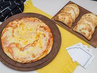 Promo - Pizza muzzarella + 12 empanadas