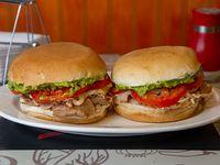 Promo - 2 sándwiches de lomo en pan frica