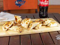 Combo 5 - 1 Docena de empanadas variadas + Bebida 1.5 L (disfrutan 2-3)
