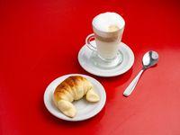 Promoción - Café lágrima + Medialuna