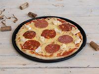 Pizza Brie & Embutidos Mixtos