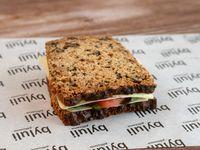 Sándwich en pan de nuez