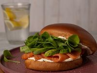 Sándwich con salmón