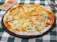 Pizza 4 formaggi (8 porciones)