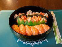 Combo - Niguiri de salmón (6 unidades) + niguiris de langostinos (6 unidades)