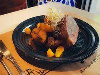 Jueves - Tacos de Cerdo con papas rústicas y salsa picante