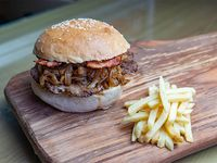 Mix break burger con papas fritas