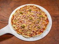 Pizza con muzzarella y jamón