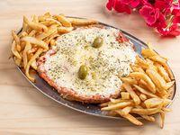 Pizzanesa de Muzzarella Xxl comen 4 personas en caja de pizza gde, Milanesa a la pizza con guarnición de papas fritas rústicas +1 Gaseosa 2.25 L Cunnington