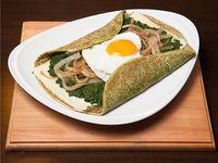 525 - Panqueque de espinaca, queso, cebolla y huevo