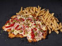 Pizzanesa especial con papas fritas para dos personas