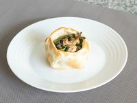 Canastita de champignon, muzzarella y jerez