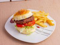 Hamburguesa clásica con papas fritas + Salsa a elección