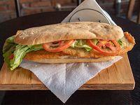 Sándwich de milanesa de pollo simple