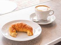 Combo - Café 240 ml + Medialuna
