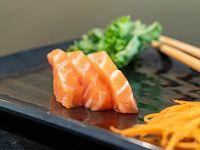 Sashimi de salmón (6 unidades)