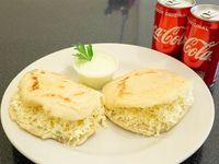 Promo Duo. 2 Arepas de Queso llanero + 2 Coca-Cola + Aderezo