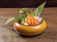 Sashimi de salmón (4 piezas)