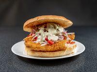 Sándwich pescado criollo grande