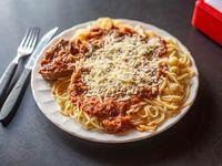 Spaguettis con tuco y estofado