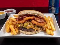 Combo - Gigantona ardiente + papas fritas personales + 1 lata de bebida 350 ml