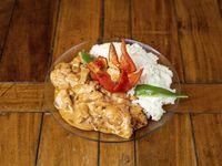 Strogonoff de pollo con arroz y queso