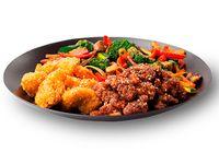 Wok Box 7 Pollo Crocante a la  Naranja / Cerdo Crocante Agridulce