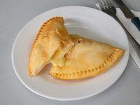Empanada de queso grande (18 cm)
