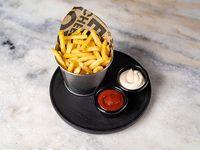 Patatas fritas con 2 salsas