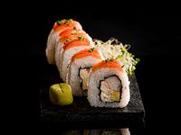 Uramaki smoked shrimps