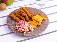 Combo chicken fingers - 6 tiras de pechuga + ensalada + acompañante + aderezo