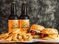 Promo. Dos cheeseburger con fritas + dos cervezas artesanales