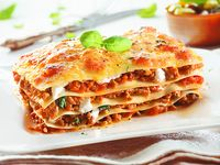 Lasagna Bolognese + Bebida Personal