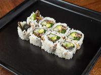 Uramaki roll de piel de salmón grillada, palta, pepino y ciboulette