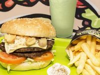 Hamburguesa especial + Papas + Limonada