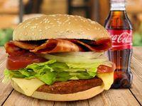 Hamburguesa de Carne y Tocineta + Papas + Coca-Cola Sabor Original 250 ml