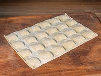 Raviolones •Ternera braseada, espinaca y parmesano - plancha 24 unidades