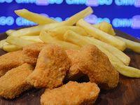 Nugget de pollo con guarnición de fritas