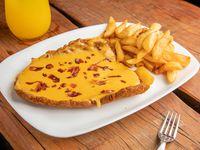 Milanesa con panceta y cheddar c/fritas