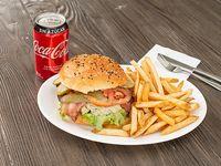 Promo - Hamburguesa queso azul  XL + papas fritas + bebida Coca Cola en lata 330 ml