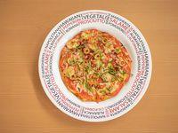 Pizza Pequeña Vegetales y Carnes De la Casa