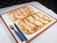 Pizza con panceta a la piedra