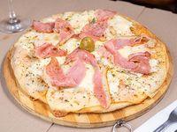 Pizzeta con bacon y muzzarella 30 cm