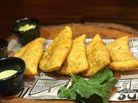 Empanadas de reineta a la parmesana (5 unidades)