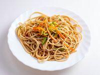 Fideo salteado con verduras
