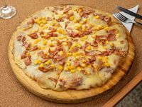 Pizzeta muzzarella, panceta y choclo