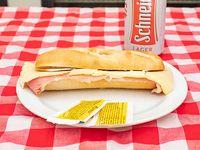 Promo - Panini de jamón crudo y queso + cerveza Schneider en lata 473 ml