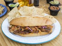 Sándwich Mexicano Chicharrón