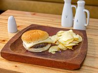Hamburguesa solo queso con papas lays