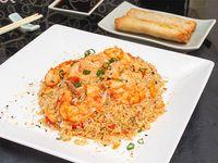Wok mixto con langostino y salmón + 2 arrolladitos primavera de carne